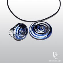 металическо синьо