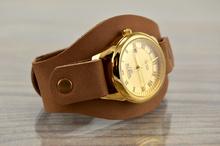 Часовник гривна с каишка от Естествена Телешка Кожа